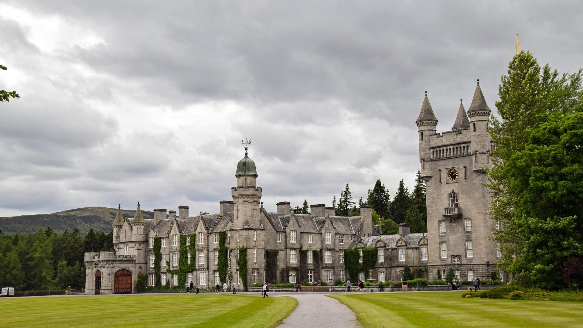 castello-bamoral-scozia